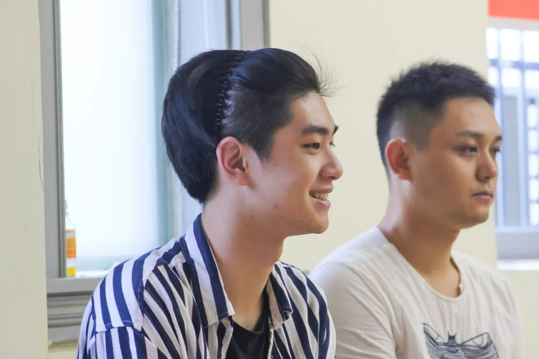 上海表演培训,表演培训,表演艺考培训,艺术培训班,上海学唱歌,上海学舞蹈, 上海学表演,歌唱培训,上海艺考,少儿舞蹈培训,上海声乐培训,主持培训