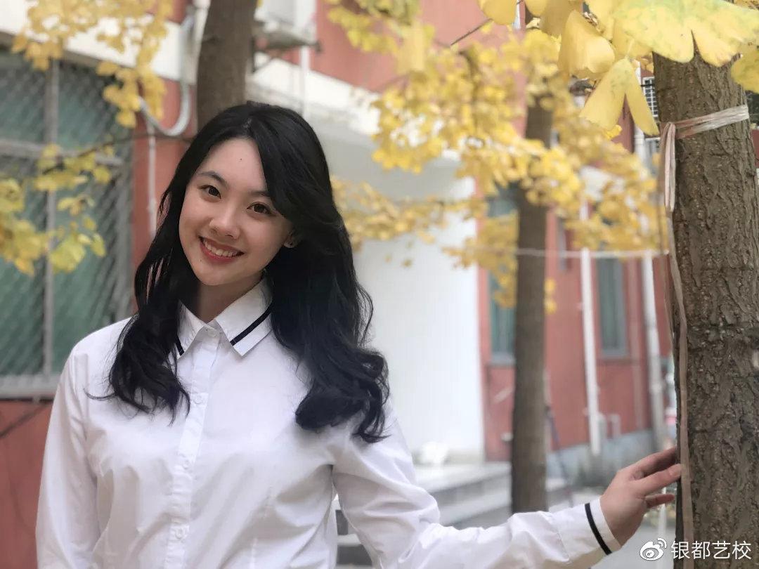 学员朱邹瑜  考取2018川传播音主持